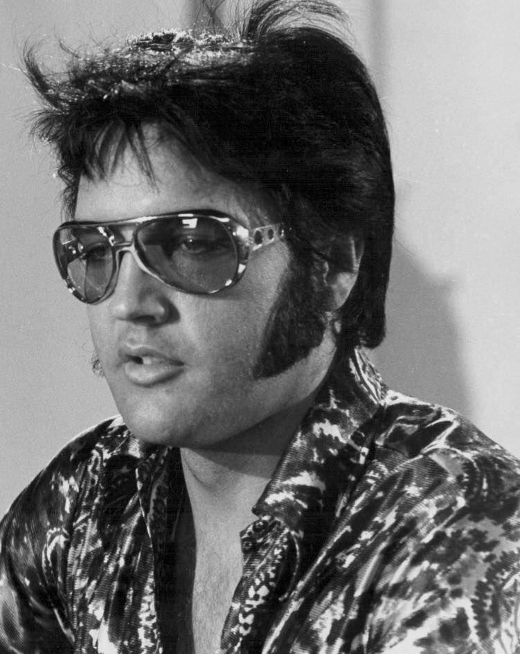 Elvis in aviators